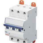 Миниатюрный автоматический выключатель 3 полюсный, 4А  6kA C характеристика