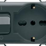 Автоматический выключатель 1P+N C16 3kA 230V AC и розетка с заземлением 2P+E 16A