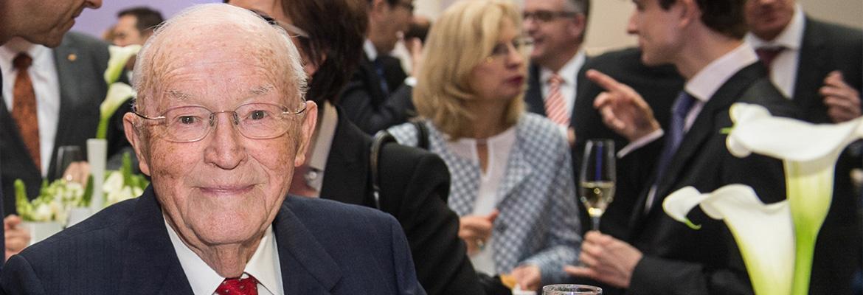 90-летний юбилей Освальда Хагер (Oswald Hager)